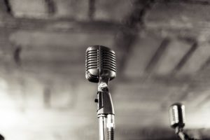 microphone-933057_1920